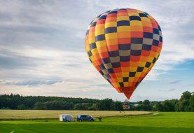 Let balónem je nejhezčí za svítání nebo při západu slunce