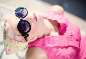 Léto ve znamení udržitelné módy! Víme, kde ji nakoupit se slevou!