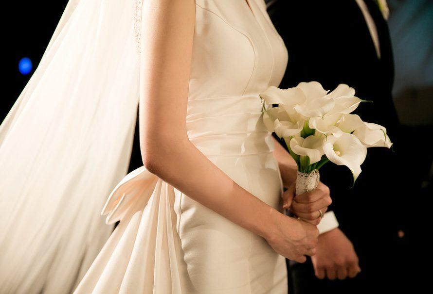 Originální svatbu vykouzlí nový trend – ručně vyráběné skleněné dekorace