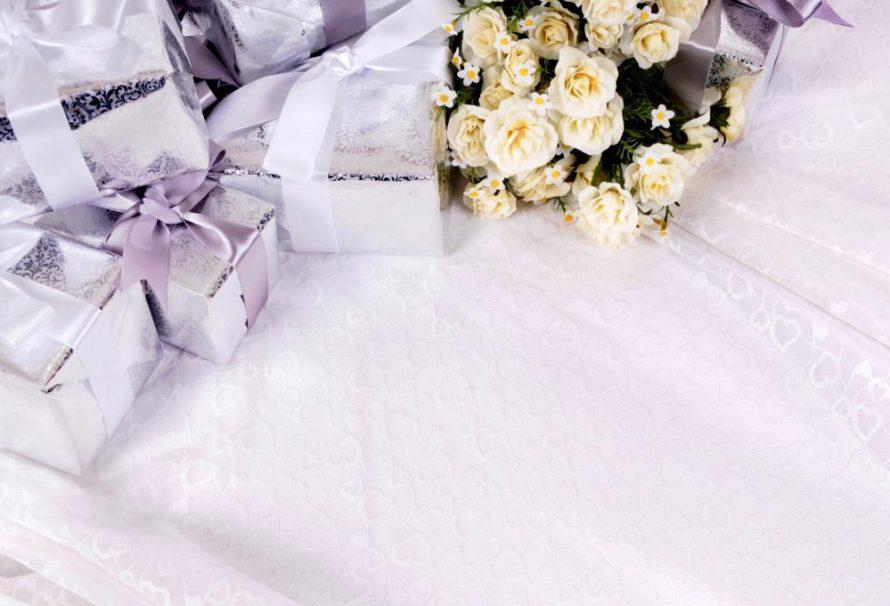 Tradiční a neobvyklé dárky pro novomanžele