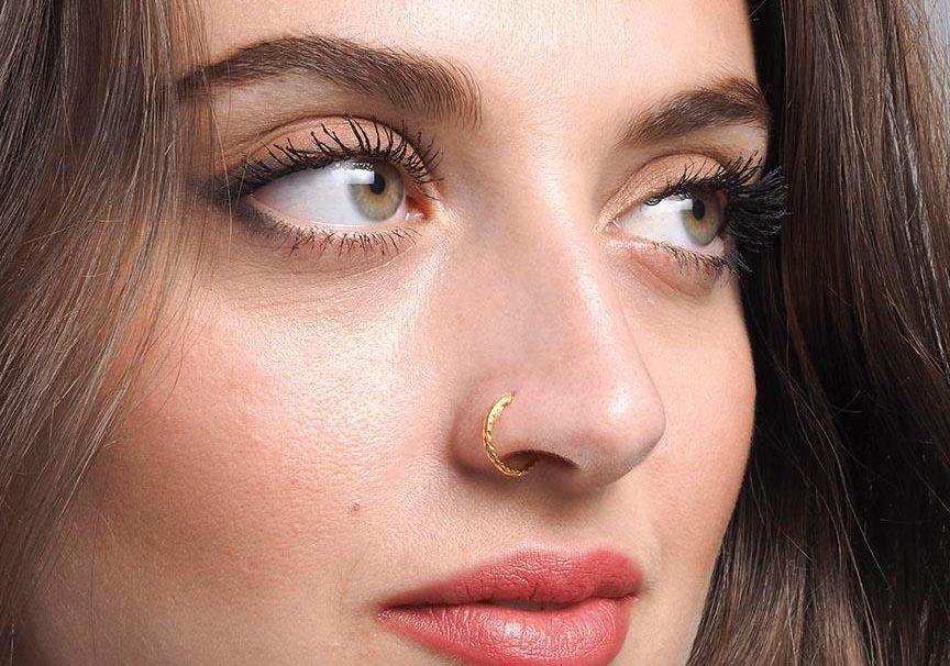 Mysleli jste, že piercingům odzvonilo? Omyl! Piercing do nosu patří k těm nejoblíbenějším