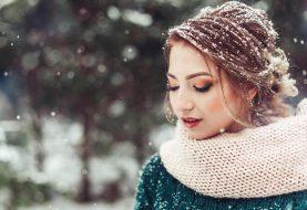 Zimou zkoušené vlasy volají SOS. Jak jim přijít na pomoc?