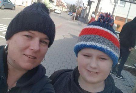 Matce těžce nemocného syna hrozí, že ztratí střechu nad hlavou