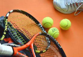 Tenisové doplňky pro větší komfort i jako prevence zranění