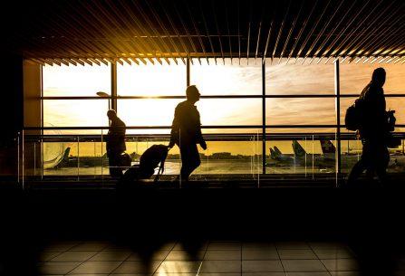 Chystáte se na leteckou dovolenou? Přečtěte si, jaké jsou rozměry zavazadel či jaké služby můžete využít za letu.