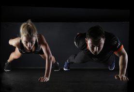 Redukce hmotnosti zdravou cestou: Základem je správný jídelníček a efektivní cvičení