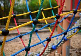 Dětské hřiště je symbolem dětského léta