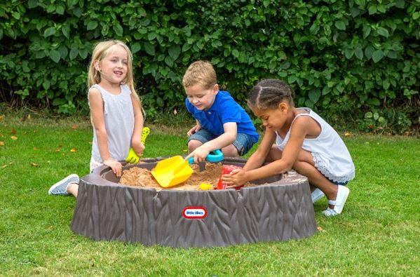 Hraní na zahradě? Pořiďte dětem Pískoviště od Little Tikes
